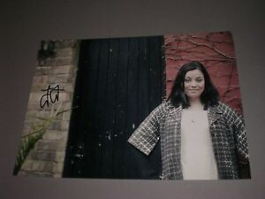 Jenni-Fagan-signed-autograph-Autogramm-8x11-inch-photo-in-person