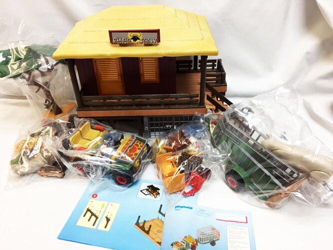 NEW Playmobil Toys Store DISPLAY 4832 Safari Ranger Jeep 4826 African Wildlife