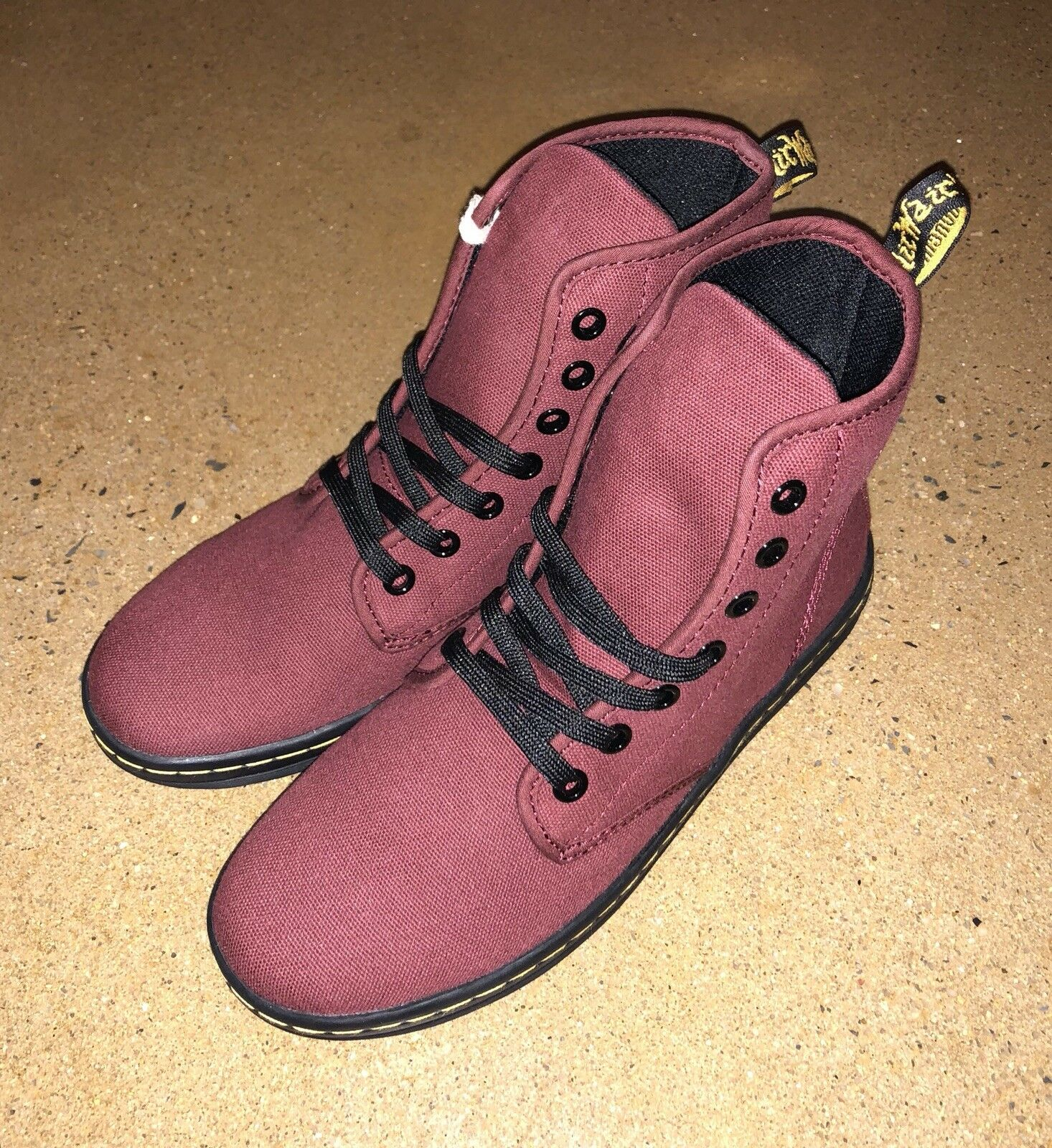 Doc 6 Martens Shoreditch Cherry Red Canvas Ankle Boots Size 6 Doc US Women's Air Wair 78fd93