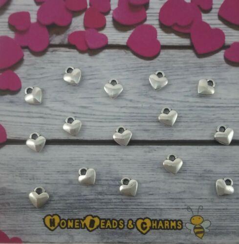 ❤ Antiguo Pequeño color plata corazón encantos ❤ Pack de 15 ❤ ❤ DE MANUALIDADES//JOYERÍA