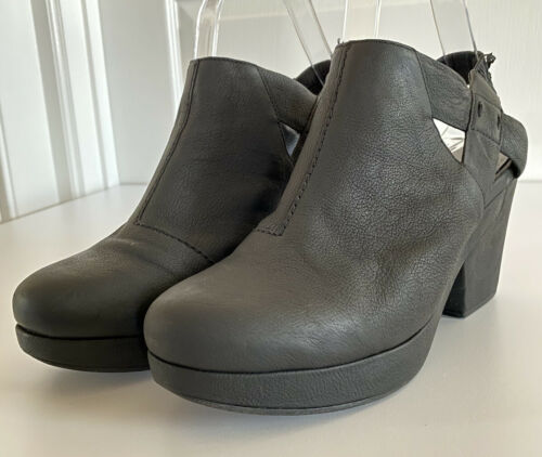 Eileen Fisher Black Nubuck Leather Grip Clog Platf