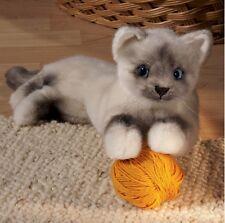 Kösener 6100 - Birmakatze Katze liegend 41 cm Kuscheltier Stofftier Plüschtier