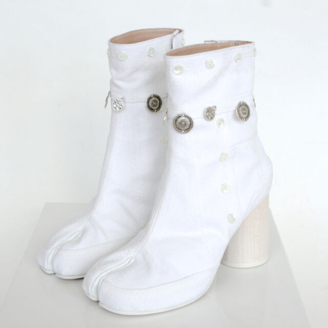 95a99f83b5d57 MAISON MARTIN MARGIELA split toe gypsy coin embroidered white tabi boots 36  NEW