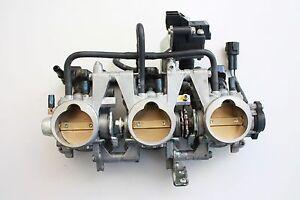 2013-Triumph-675-Street-Triple-Corps-de-Carburateur