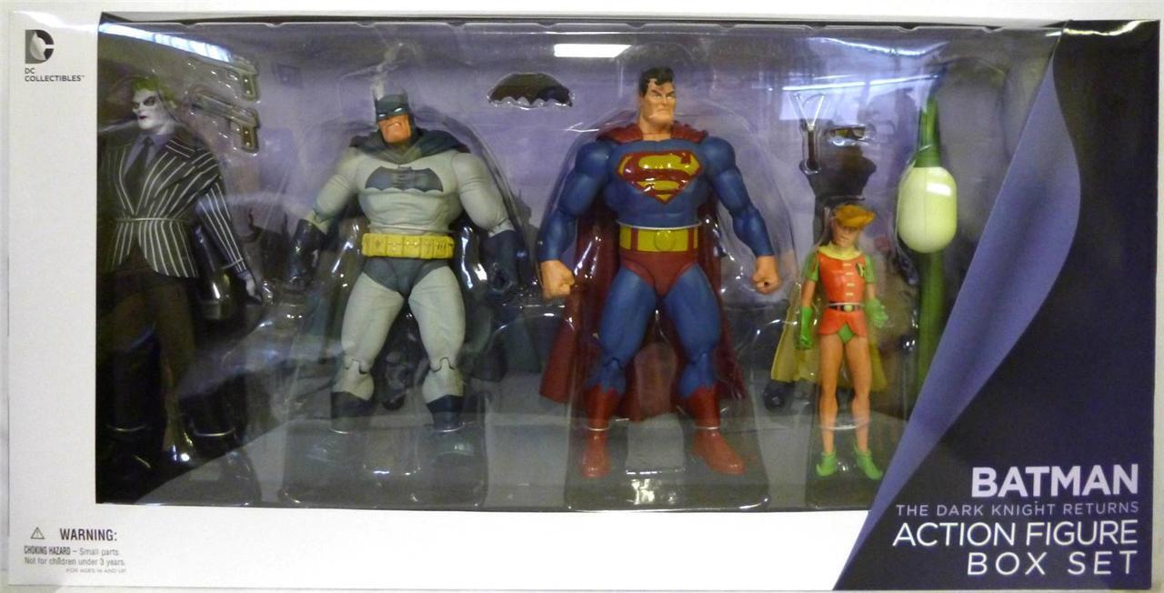 DC Direct BATMAN CAVALIERE OSCURO restituisce Set 4 figure JOKER Superman Robin Miller