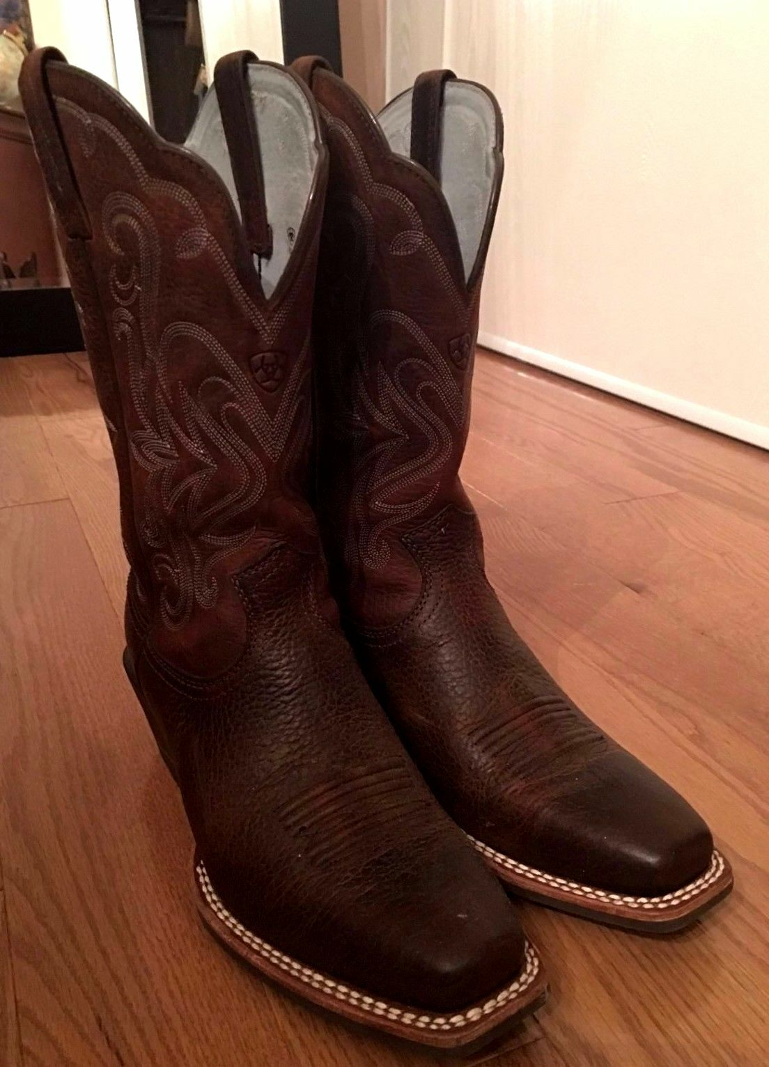 Gentleman/Lady Ariat Legend Women's Brown Oiled Rowdy fashion Reliable performance Cheap order