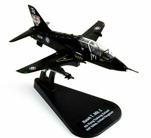 Italeri Dreamwings Hawk T Mk.1 RAF 1/100 Diecast Model
