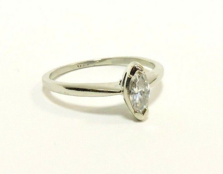 (MA3) 14K White gold Diamond Solitaire Marquise .28 TCW 2 Grams Size 7