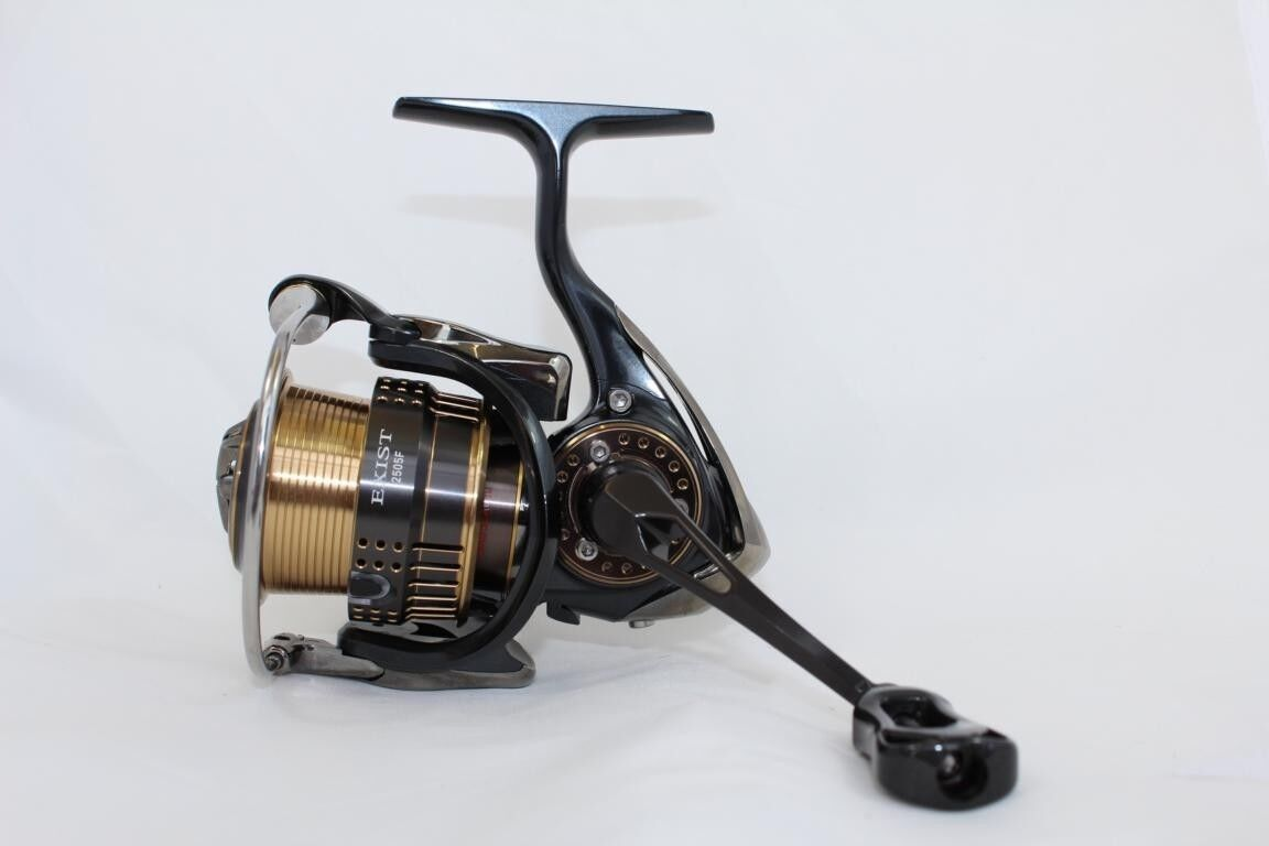Daiwa 15 Exist 2505F Spinnrolle High End Japan Rolle Spin Rolle