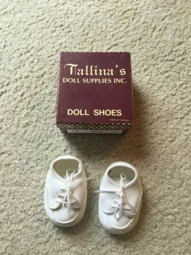 Doll Shoes Size 3 Style 318 White New Old Stock in Box Boy Shoes Tie Up