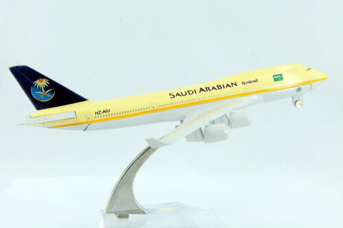 SAUDI ARABIA AIRPLANE DIECAST MODEL METAL PLANE AIRCRAFT ON STAND 14cm