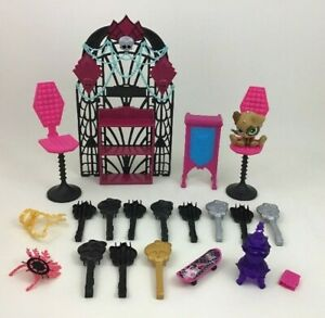 Monster-High-Doll-Lot-Bedroom-Replacement-Accessories-Brush-Pieces-Parts-Mattel
