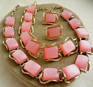 Vintage-Signed-CORO-MoonGlow-Lucite-PINK-Necklace-Bracelet-Earring-Set-Estate