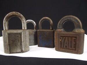 4-Vintage-antique-brass-steel-Padlocks-YALE-amp-TOWNE-Mfg-Co-jr-USA-old-pin