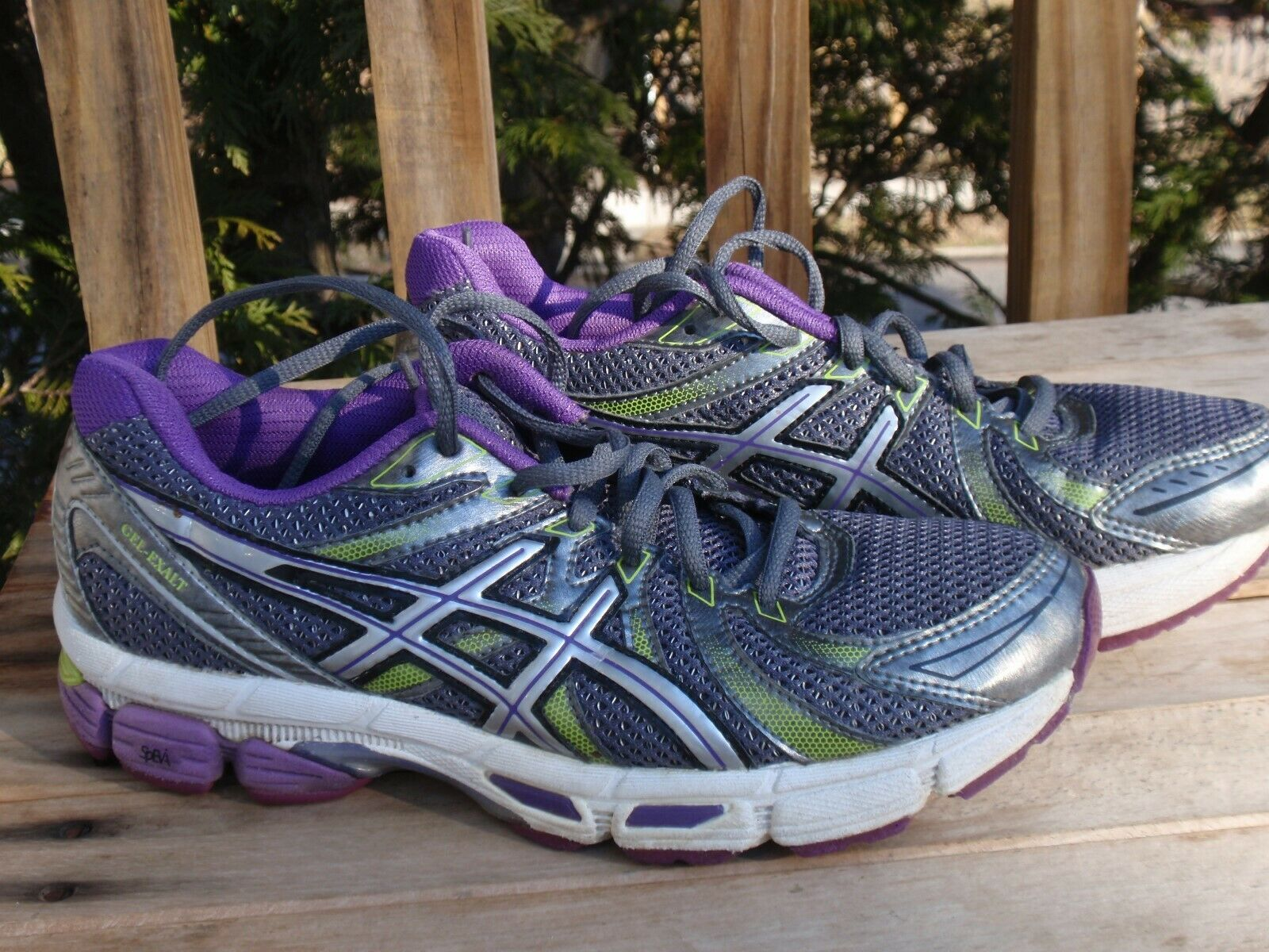 1 PAIR OF ASICS WOMAN'S ATHLETIC SHOES SNEAKERS RUNNING SIZE 7 GEL EXALT