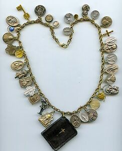 VINTAGE-FRENCH-PRAYER-BOOK-NECKLACE-PENDANT-WITH-VINTAGE-RELIGIOUS-MEDALS-2