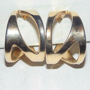 Vintage-signed-Napier-openwork-cutouts-wide-gold-tone-hoop-clip-earrings-as-is
