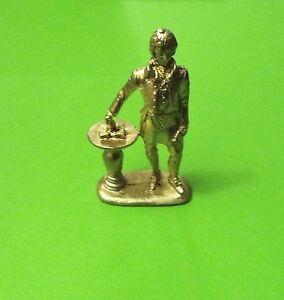 Masonic-Robbie-Burns-Figurine-in-Full-Masonic-Regalia
