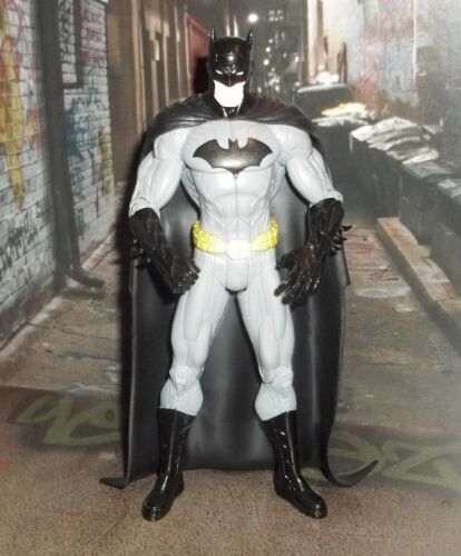 DC DIRECT COLLECTIBLES NEW 52 SERIES DARK KNIGHT BATMAN JUSTICE LEAGUE FIGURE