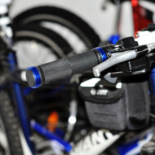 GOLD LOCKING BMX MTB CYCLE MOUNTAIN BIKE BICYCLE HANDLE BAR END GRIPS ENGLAND UK