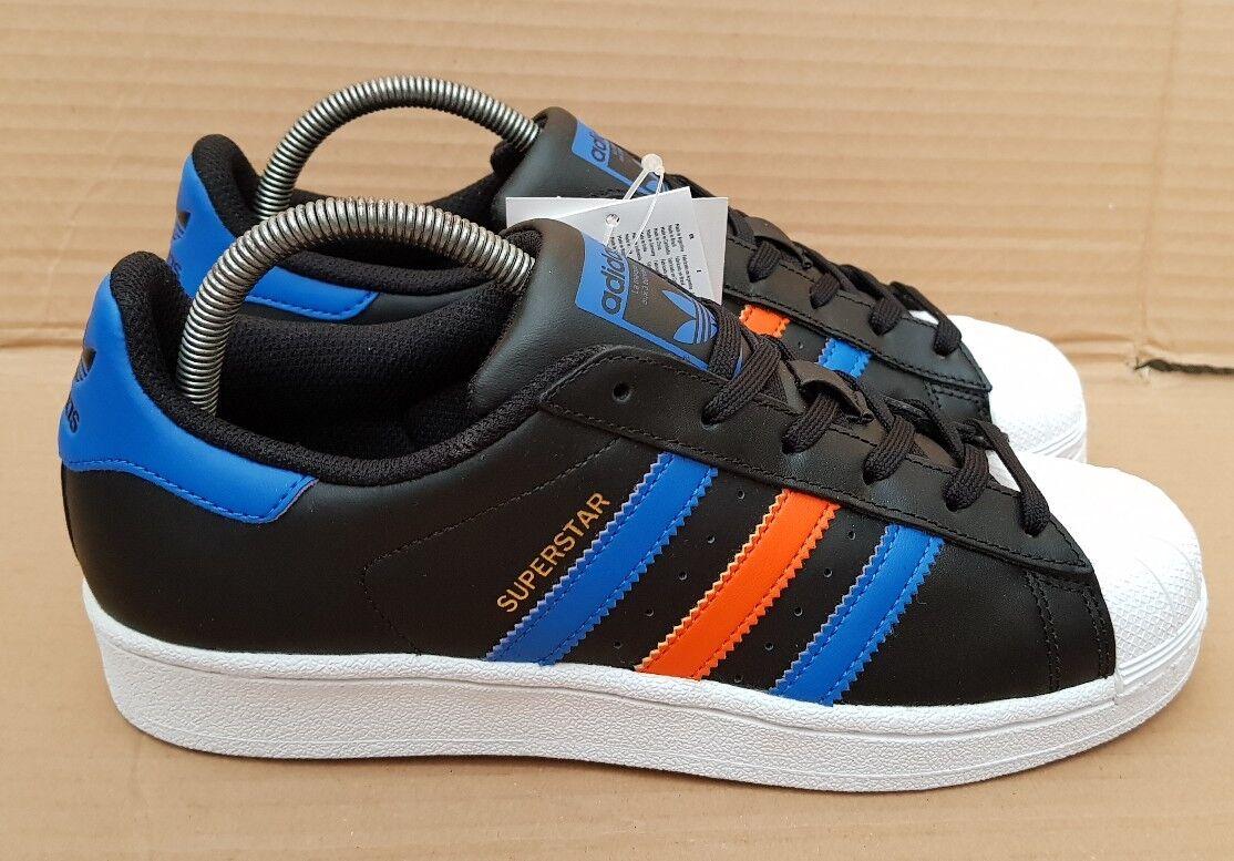 Nuevo Y En Caja Adidas Superstar Entrenadores Negro Azul Y Naranja Tamaño 5.5 UK Raro Nuevo