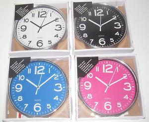 Horloge-Mural-Ronde-en-Plastique-20-cm-Plastic-Clock-Modele-au-choix