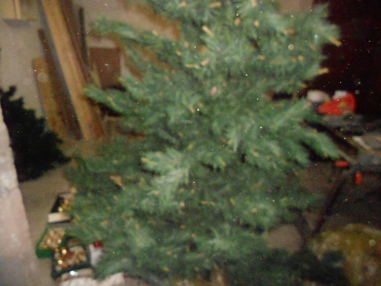 Tannenbaum über 200 cm mit kugeln fuss und lichterkette das besondere