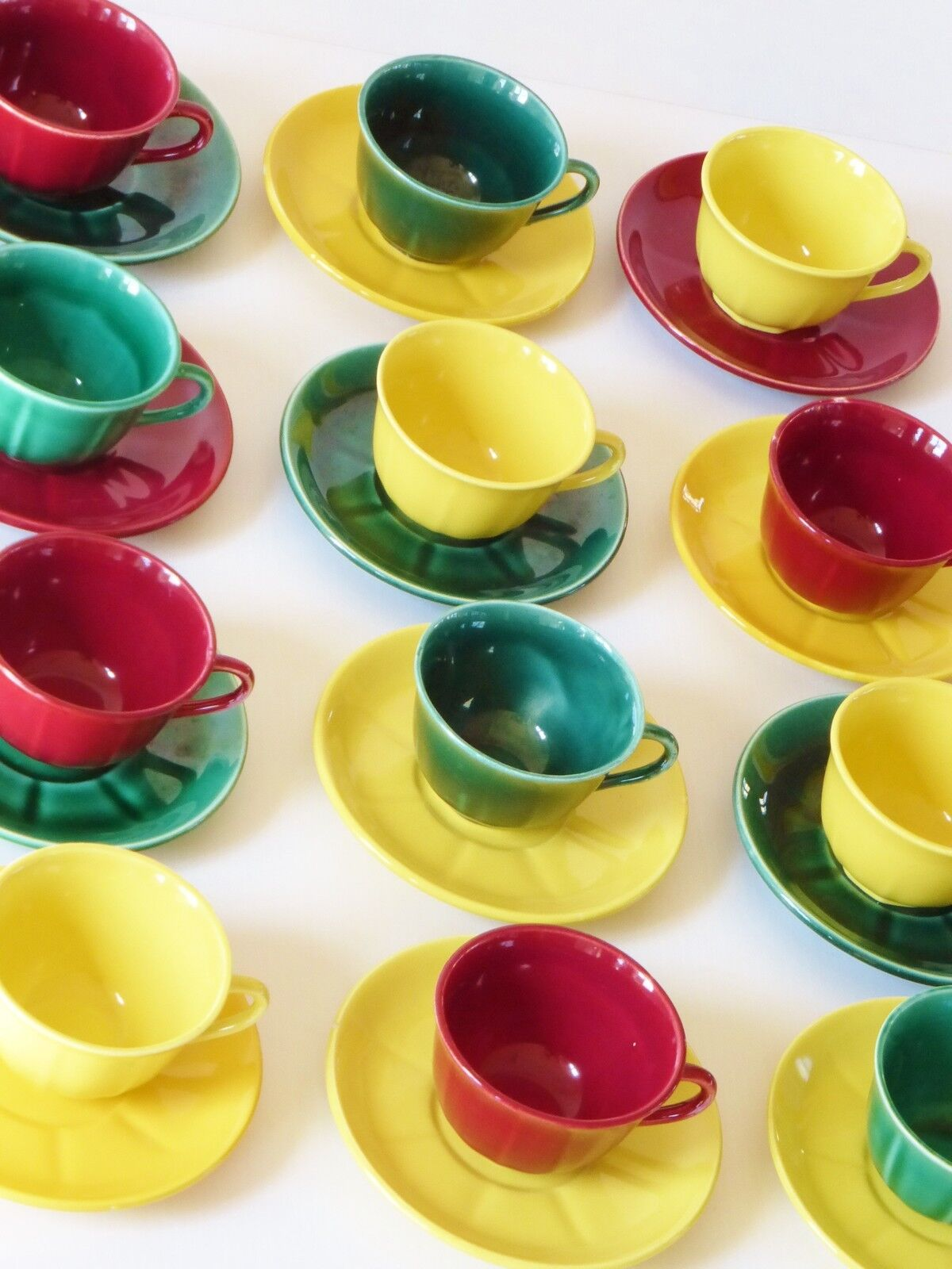 SUITE DE 12 TASSES CERAMIQUE DES ANNEES 50  60 VINTAGE 1950 1960 FRENCH CUPS