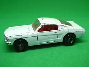 Matchbox-Lesney-No-8e-Ford-Mustang-Fastback-muy-raras-blanco-Superfast