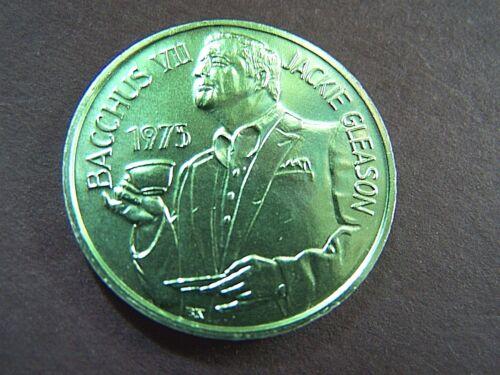 1975 Bacchus KING JACKIE GLEASON Green Aluminum Mini Mardi Gras Doubloon-Light