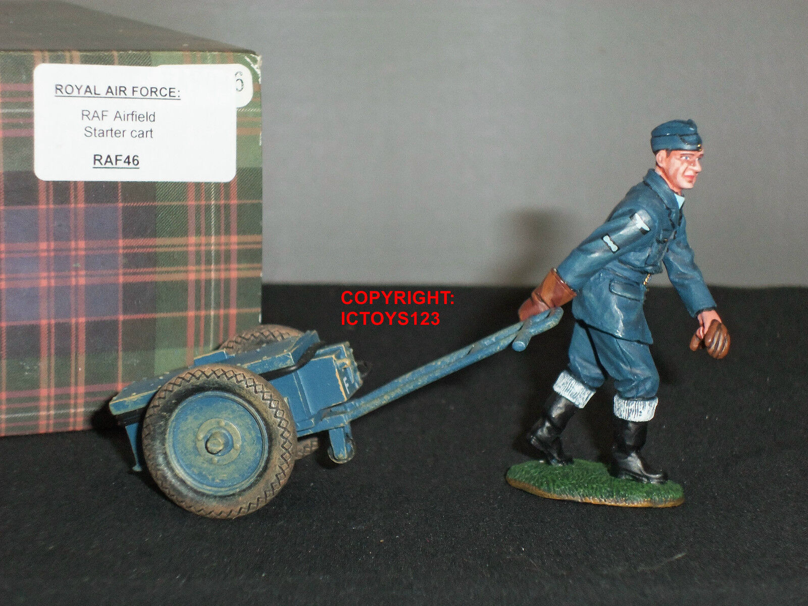 KING AND COUNTRY RAF46 ROYAL AIR FORCE RAF AIRFIELD STARTER CART TOY SOLDIER SET