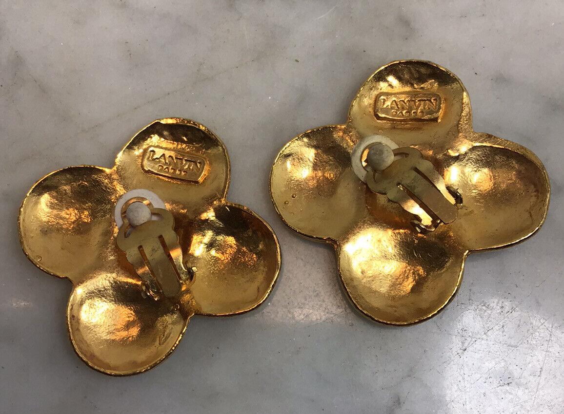 Vintage LANVIN PARIS Hammered Gold Tone Flower Cl… - image 6