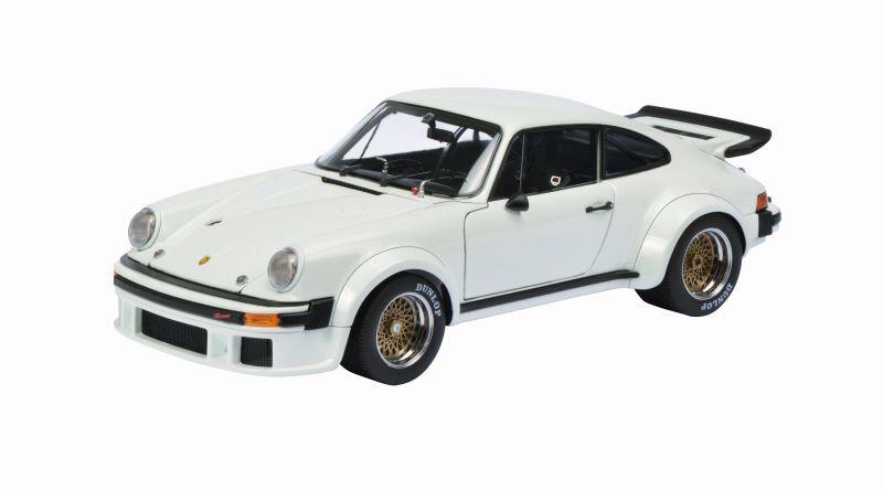 SCHUCO 00337 PORSCHE 934 RSR diecast model car white  Ltd Edition of 1000 1 18th