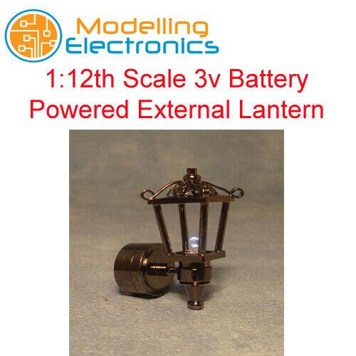 SCALA 1:12th 3v Alimentato a Batteria Lanterna Esterno 1472 illuminazione casa delle bambole