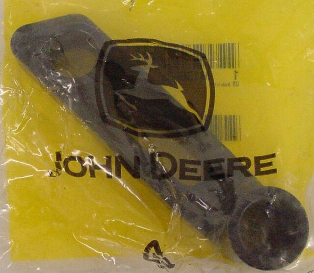 """JOHN DEERE Genuine OEM Idler Arm M136635 48/"""" 54/"""" 48C 54C GT LX GX Scotts Sabre"""