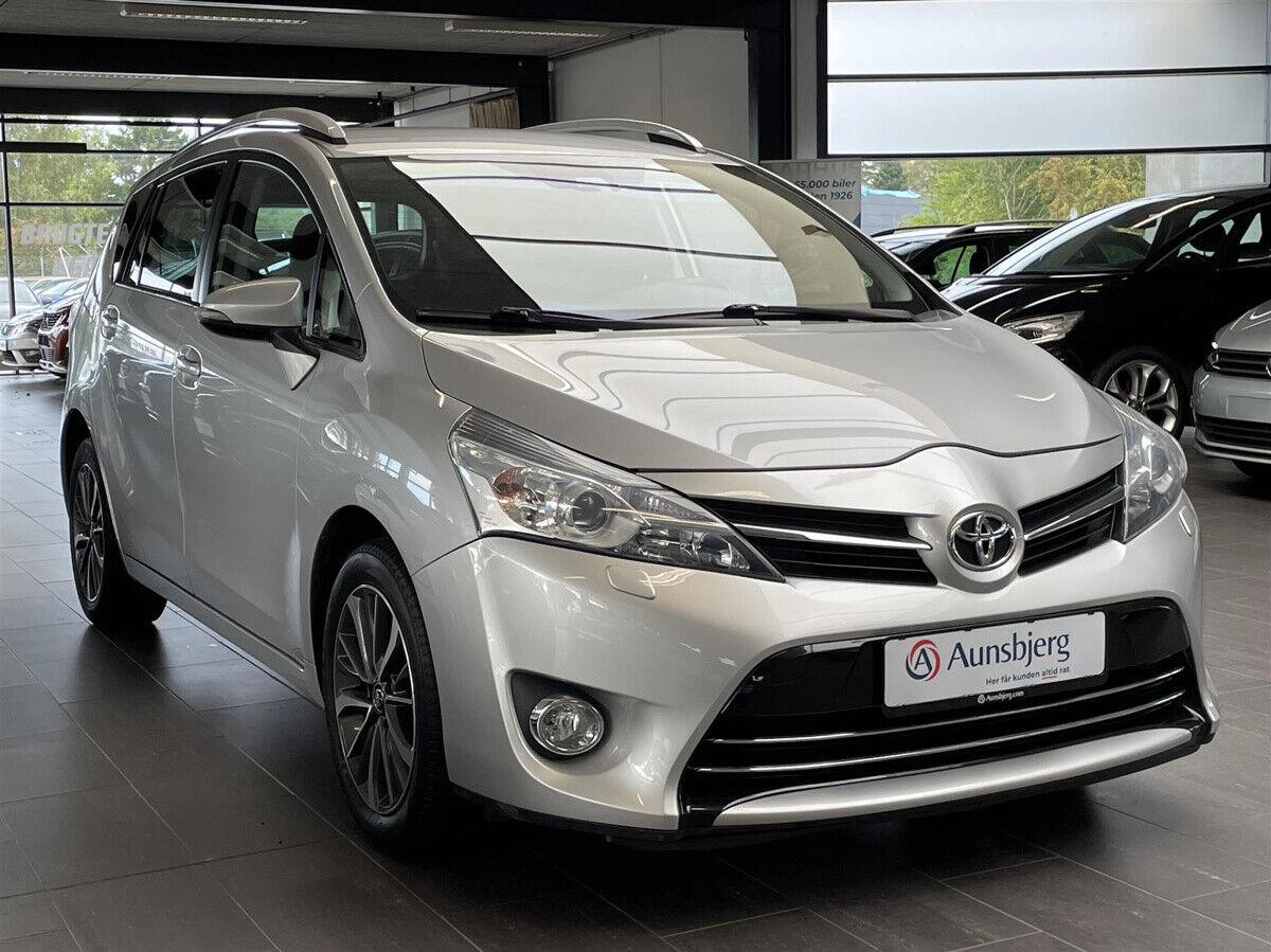 Toyota Verso 1,6 VVT-i T2 Premium 7prs 5d - 199.700 kr.