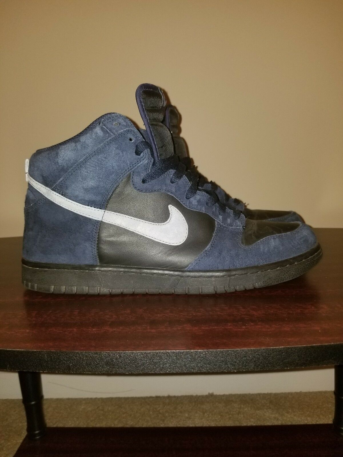 Nike Dunk Size 11.5 bluee and Black Great Condition