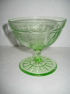 d1d4c04b9bd Image is loading Dessert-Or-Sherbet-Dish-Green-Vaseline-Glass-Vintage-