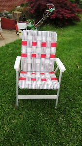 Vintage Aluminum Folding Webbed Lawn Beach Patio Chair Red