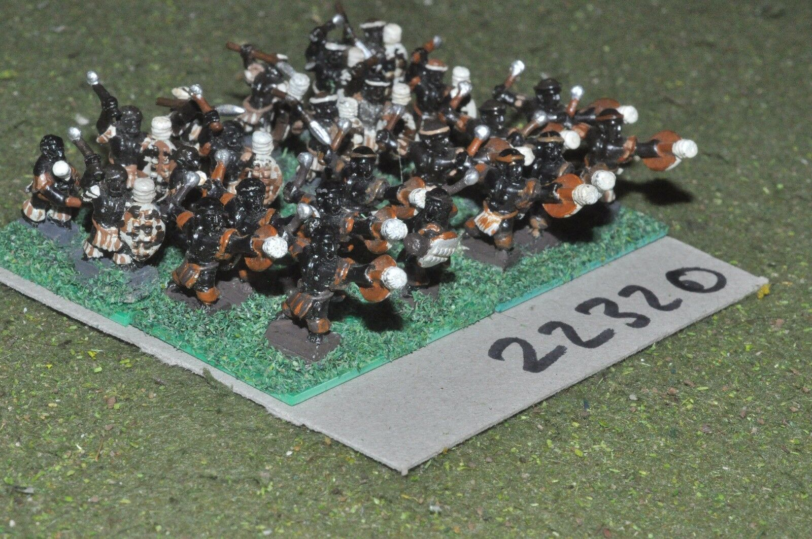 15mm colonial   zulu - warriors 24 figs infantry - inf (22320)