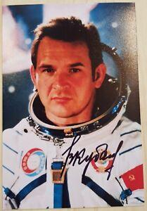 Soyuz 6, ASTP Soyuz 19, Soyuz 36/35 Valery Kubasov original signed photo, Space