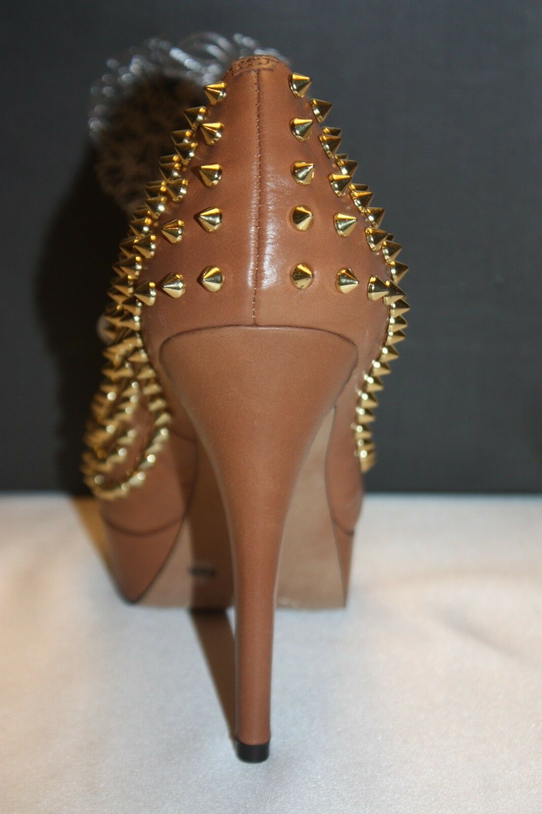 NEW CAMUTO  NIB  VINCE CAMUTO NEW Braun Fudge Leder MADELYN Spike Platform Pumps 9.5 198 9510df