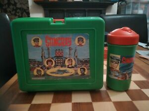 Vintage-Circa-1992-Green-STINGRAY-Lunchbox-With-Original-Flask-USED