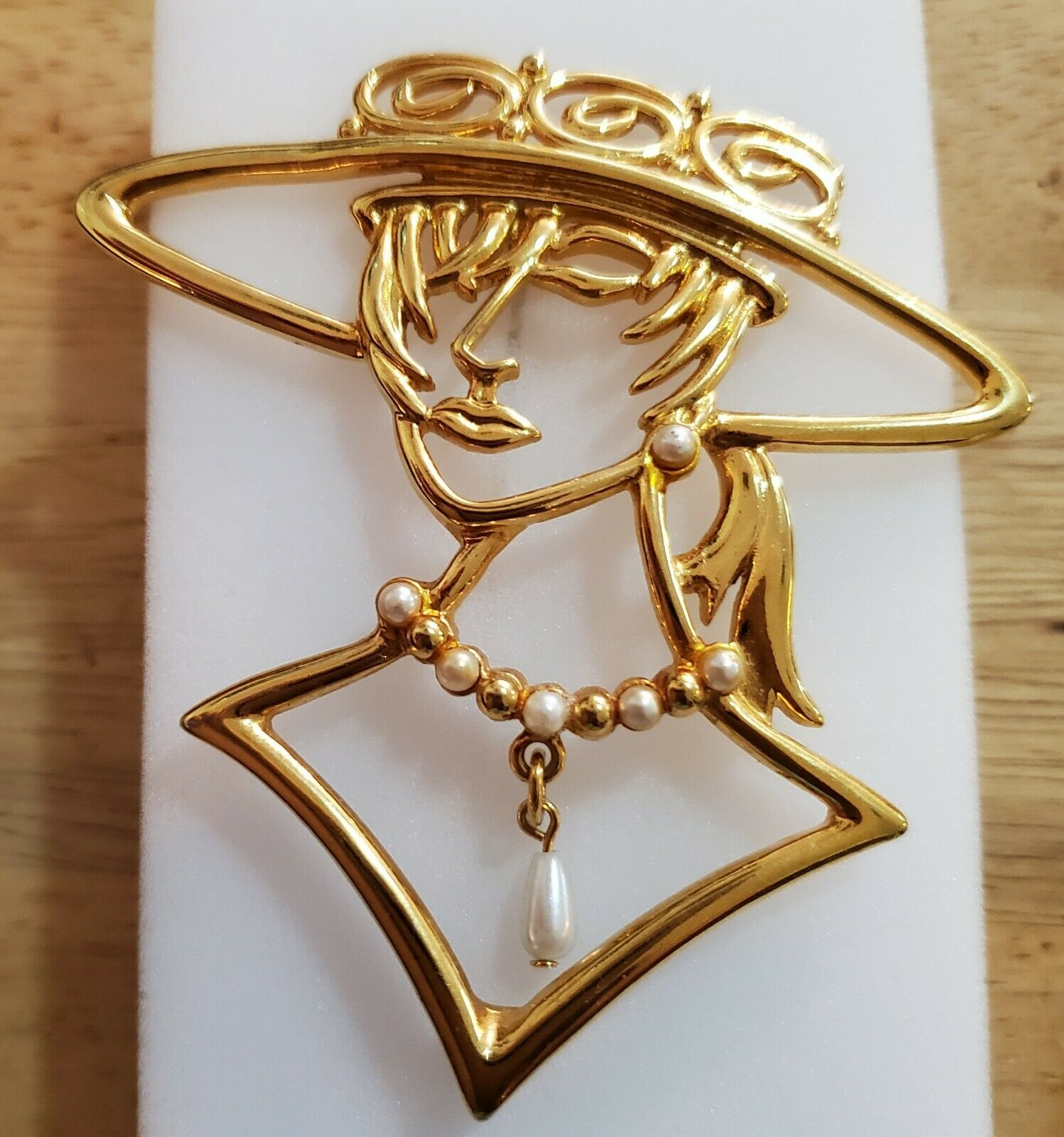 Lady In Hat Pin - image 1