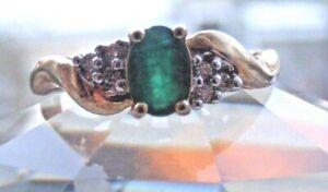 Vtg-10K-Yellow-Gold-Diamond-amp-Emerald-Ring