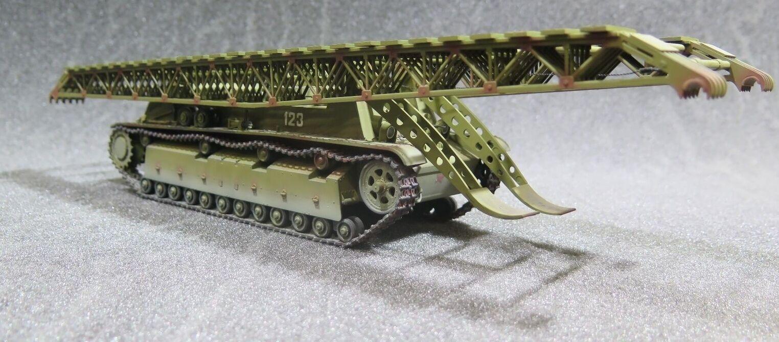 MI1025 - 1 35 PRO BUILT - Plastic Alanger Soviet IT-28 Armoruge Bridge-Layer