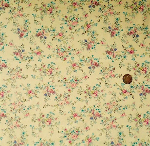 VINTAGE FLORAL DESIGN IN PINK /& BLUE ON  DEEP CREAM 100/% COTTON FABRIC FQ/'S