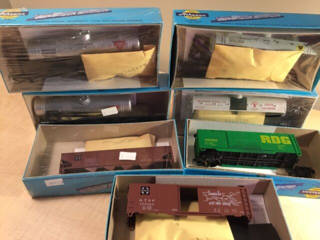 Lot Of 7 HO Model Miniature RailroadTrain Kits