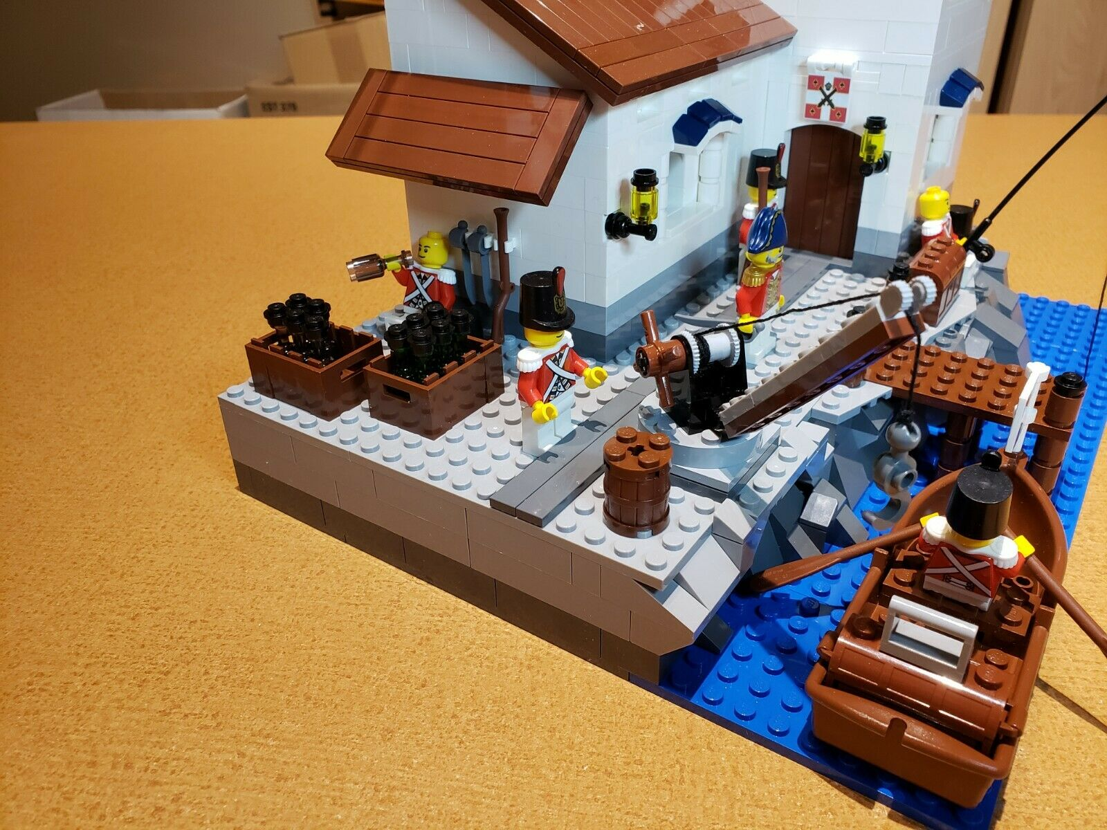 Lego PIRATES PIRATES PIRATES IMPERIAL GUARD OUTPOST with Cannon  Choose your Minifigs color    4e70ce