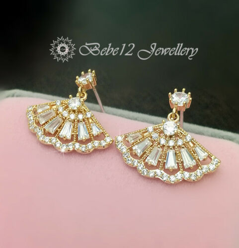 Simulated Diamond//Dangling Fan Shape Earring//RGE684
